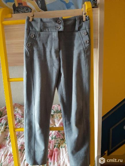 Школьные брюки для девочки. Фото 1.