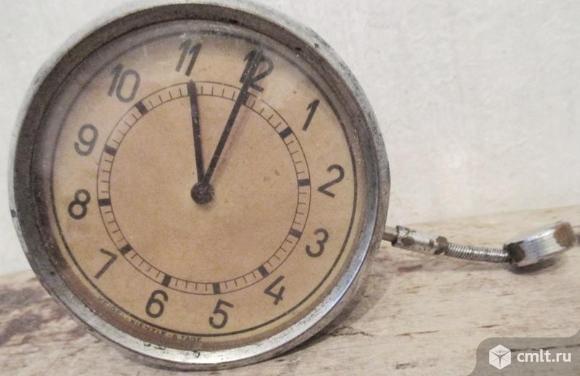 Часы старинные. Фото 2.