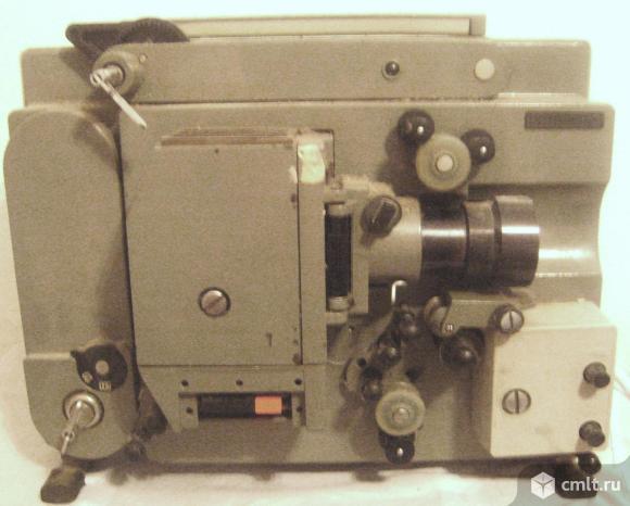 Кинокамера, кинопроектор. Фото 1.