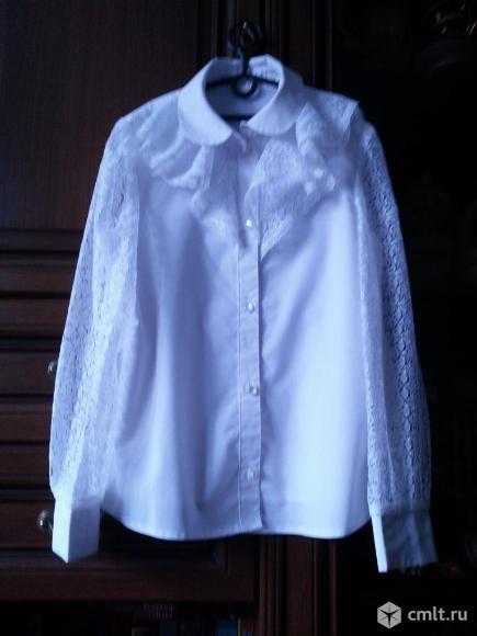 Белые блузки,футболки. Фото 1.