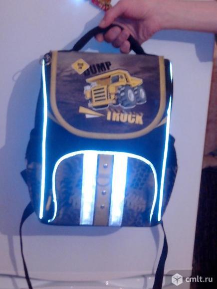 Детский ранец-рюкзак для школьника. Фото 1.