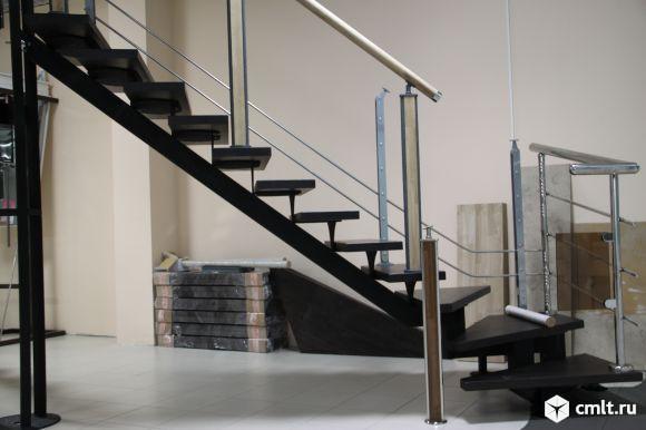 Лестницы на металлической основе межэтажные. Фото 1.