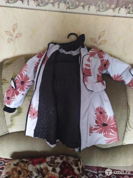 Продаю демисезонное пальто для девочки. Фото 3.