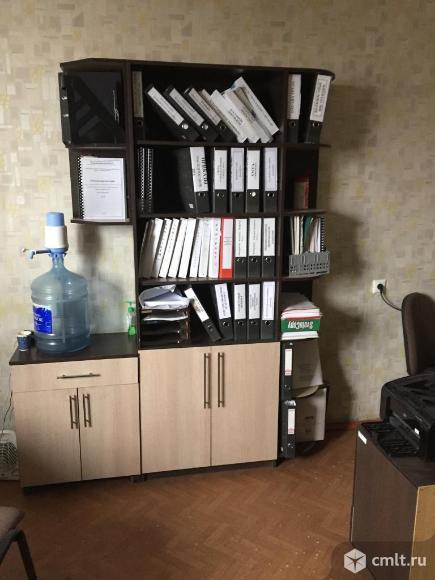 Книжный шкаф. Фото 1.