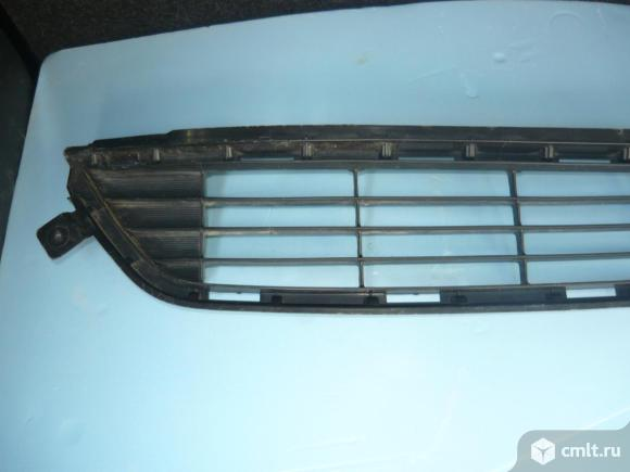 Решётка в бампер Rav4  CA40. Фото 1.