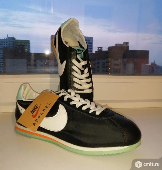 Кроссовки Nike. Фото 1.
