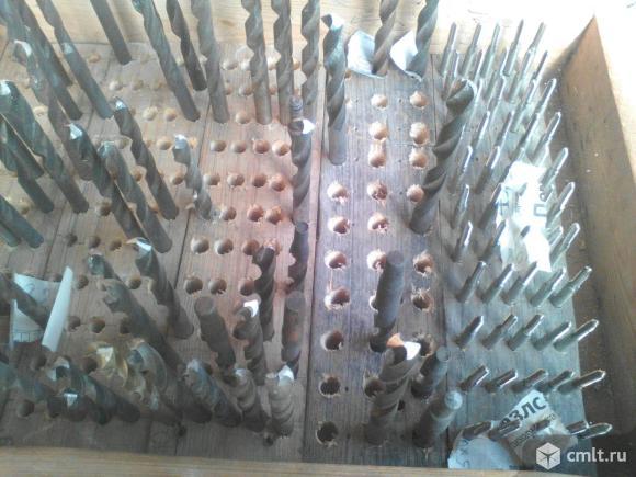 Метчик 3-12 мм., сверло 3-12 мм. Р6М5,Р12,Р 18. Фото 1.