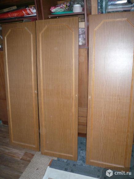 Двери от трёхстворчатого шкафа. Фото 1.