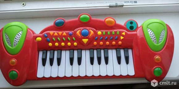 Музыкальное пианино. Фото 1.