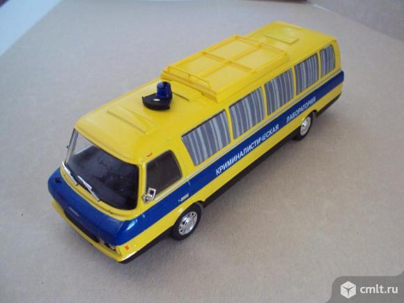 Автомобиль на службе N13 ЗИЛ-118 кл Криминалистическая лаборатория. Фото 1.