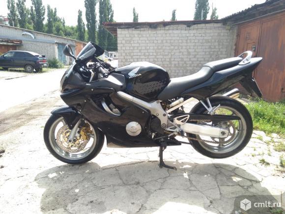 Мотоцикл Honda  - 2002 г. в.. Фото 1.