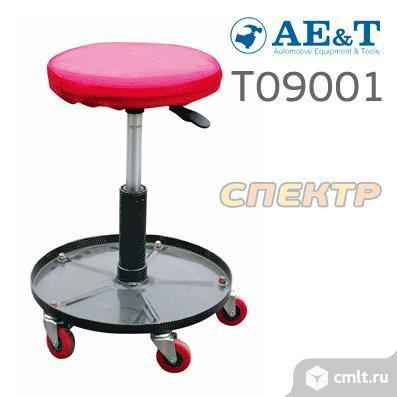 Сиденье для слесаря на колесиках AE&T T09001. Фото 1.