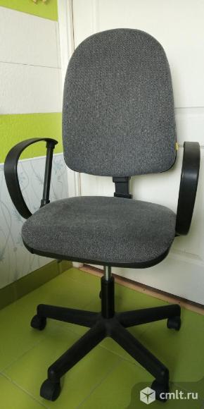 Офисное кресло. Фото 1.