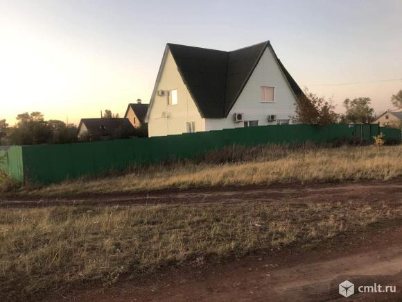 Продается: дом 218.8 м2 на участке 11.4 сот.. Фото 1.
