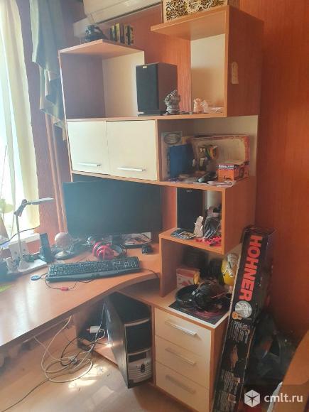 Продаю письменный стол. Фото 2.