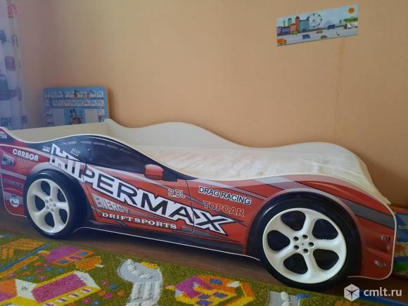 Детская кровать-машина. Фото 1.