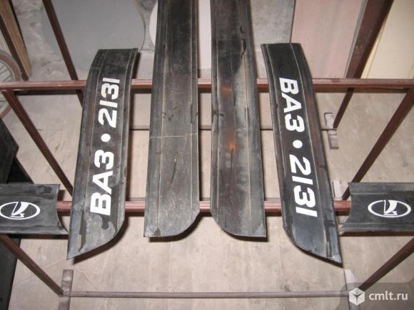 Молдинги резиновые для Нивы. Фото 1.