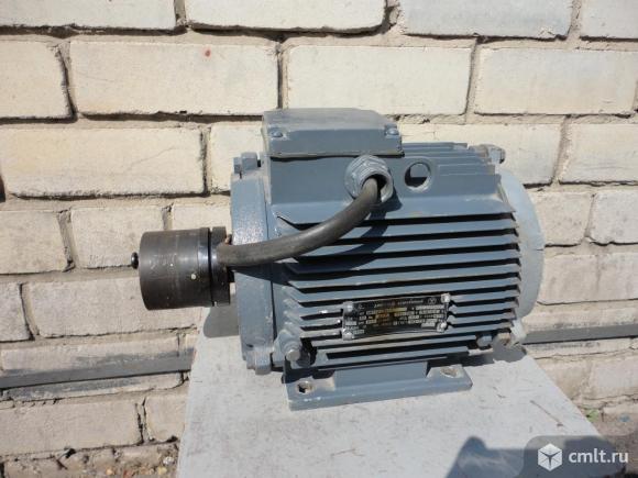 Двигатель асинхронный тип АИР90LB 8У3 , 220/380 В.  1,1 кВт. 700 об/мин.