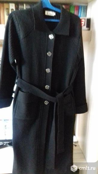 Пальто трикотажное, цв. черный, р. 50-52, новое, 1.2 тыс. р. Фото 1.