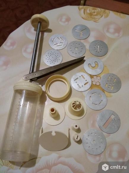 Шприц с насадками для кондитерского крема. Фото 5.