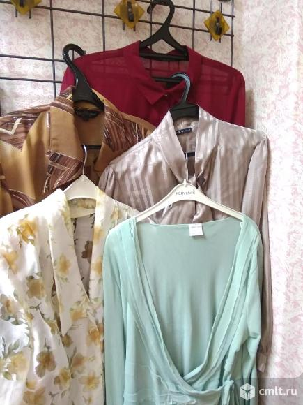Блузки женские и пиджак. Фото 8.