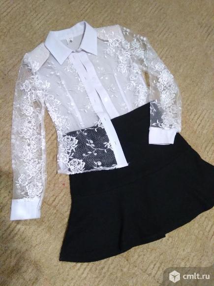 Юбка школьная черная, блузка белая на 6-7 лет. Фото 1.