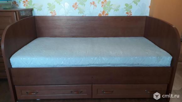 Продам детскую кровать с матрасом. Фото 1.