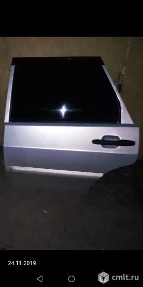 Для ВАЗ-2115 крышка багажника, в сборе со спойлером, б/у. Фото 1.