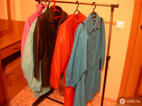 Куртки женские, р. 46-48, б/у, 2 шт., по 260 р. Фото 3.