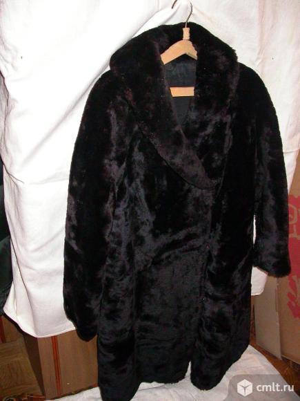 Шуба из мутона женская, р. 48-50, цв. черный, б/у 1 сезон. Фото 1.