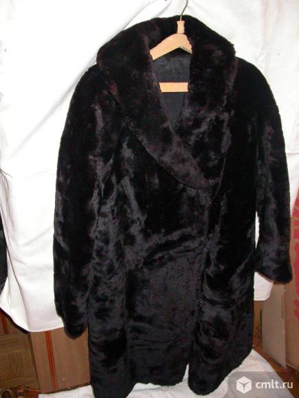 Шуба из мутона женская, р. 48-50, цв. черный, б/у 1 сезон. Фото 2.