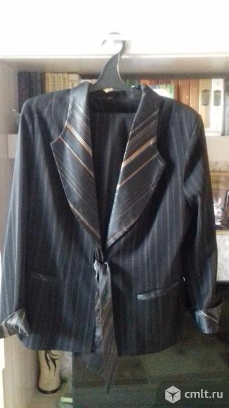 Пиджак черный в коричневую полоску, р. 50-52, новый. Фото 1.