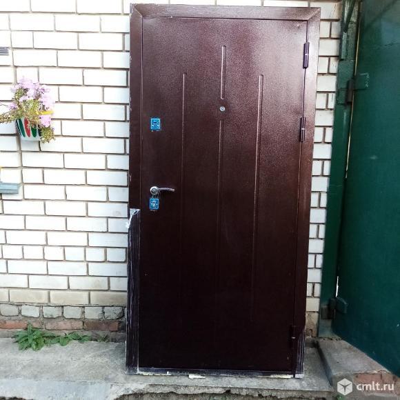 Входная дверь. Фото 1.