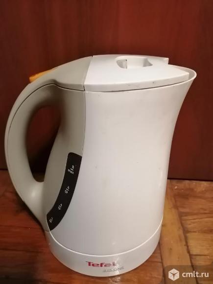 Электрический чайник Tefal подтекает. Фото 1.