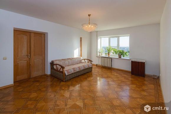 Продается 4-комн. квартира 152 кв.м.. Фото 1.