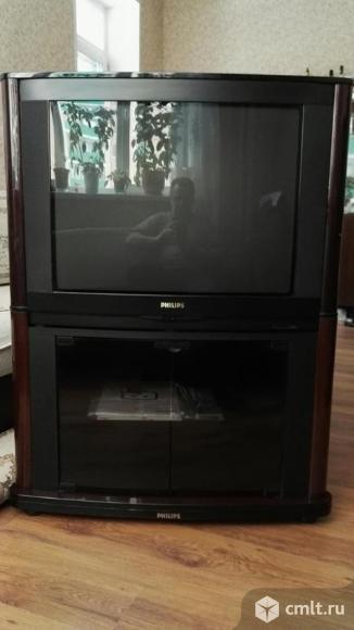 Телевизор philips 29 PT 8402 с тумбой. Фото 1.