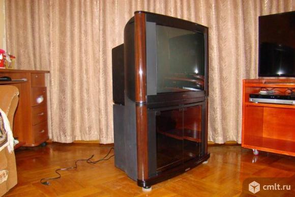 Телевизор philips 29 PT 8402 с тумбой. Фото 3.