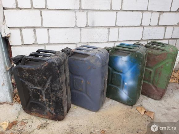 Канистры 20 литровые для ГСМ. Фото 3.