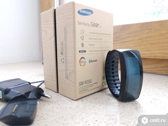 Смарт-часы фитнес-браслет Samsung. Фото 1.