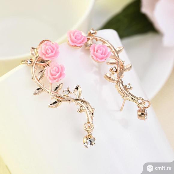Серьги с розовым листом розы. Фото 2.