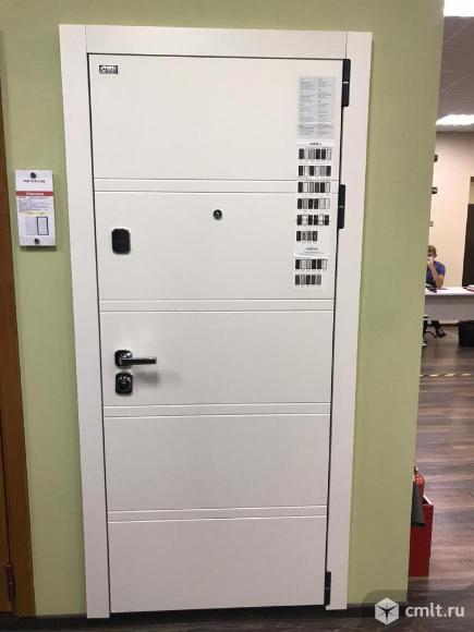 Белая входная металлическая дверь el'porta. Фото 2.
