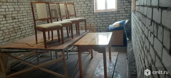 Стол 70х130 см, в комплекте с 4 мягкими стульями, новый. Фото 1.