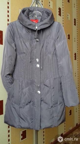 Куртка - пуховик  с капюшоном. Фото 1.