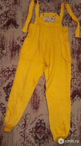 Костюм (джемпер, штанишки с подтяжками) импортный. Фото 4.