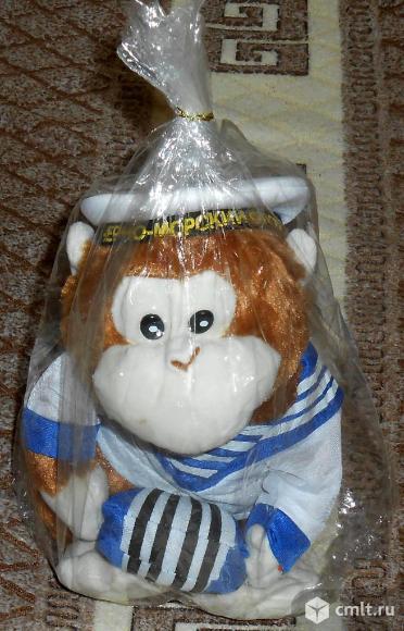 Поющая и танцующая игрушка обезьянка гармонист. Фото 1.
