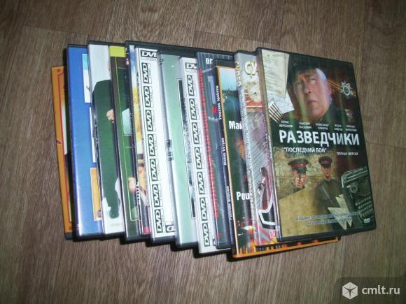 Аудио / стереокассеты  и  DVD-диски. Фото 1.