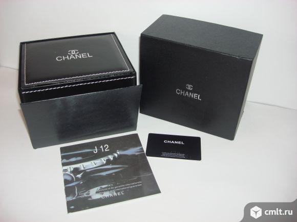 Продаю  фирменную шкатулку для часов Chanel. Фото 1.