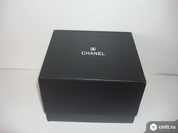 Продаю  фирменную шкатулку для часов Chanel. Фото 5.