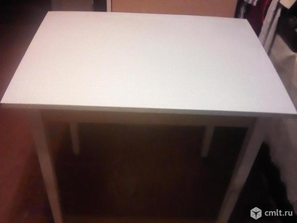Стол кухонный.. Фото 1.