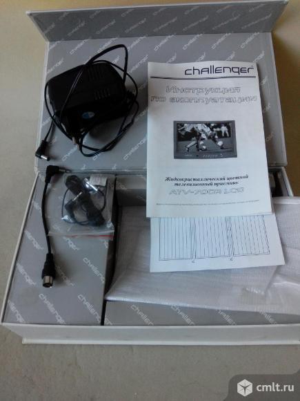 Для телевизора challenger ATV-700R LCD,адаптер питания FJ-SW1210X,наушники,кабель,инструкция,коробка. Фото 1.